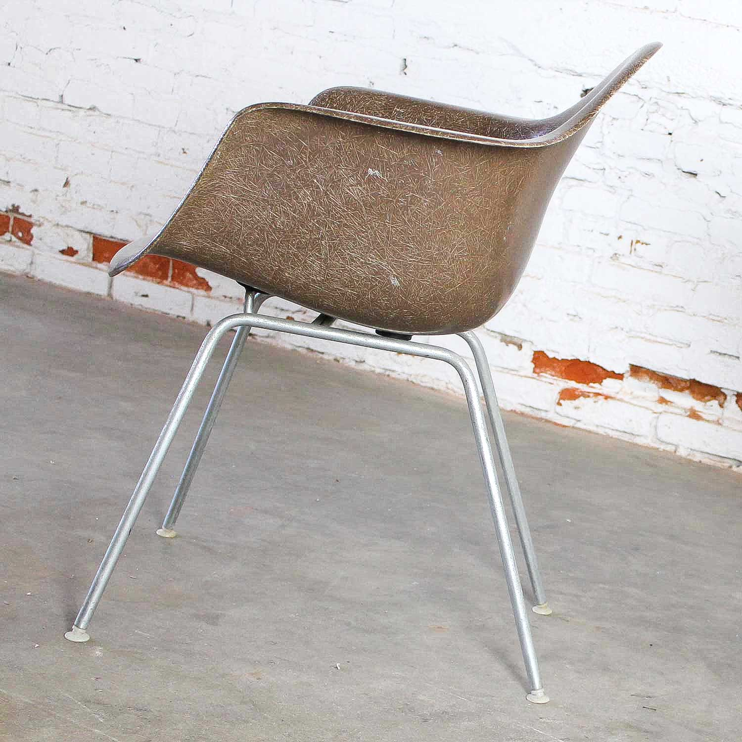Pair Herman Miller Eames Molded Fiberglass DAX Arm Shell Chairs With H Base  In Seal Brown