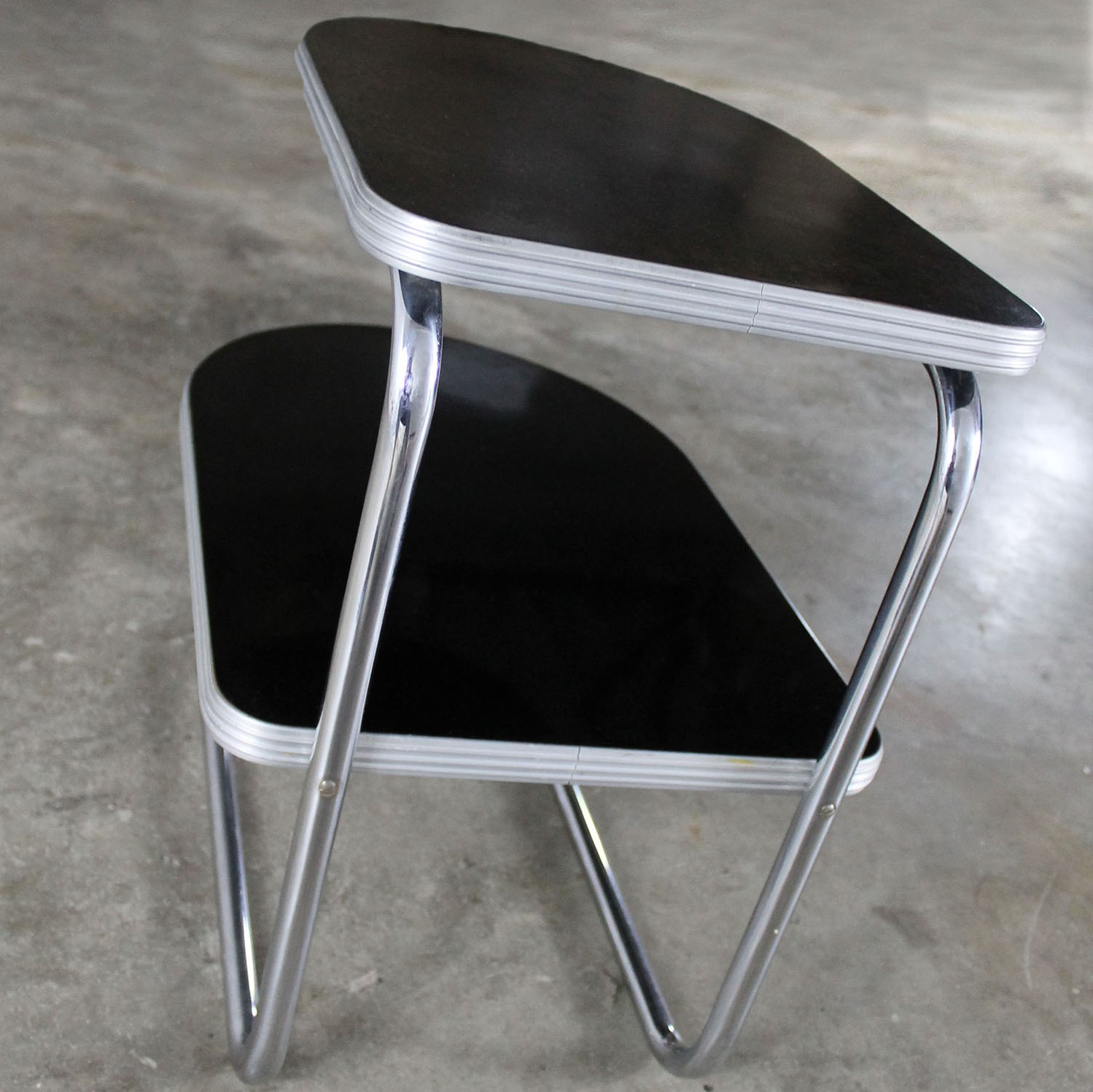 Art Deco Machine Age Streamline Moderne Chrome And Black Two Tiered End  Table By Duro Chrome