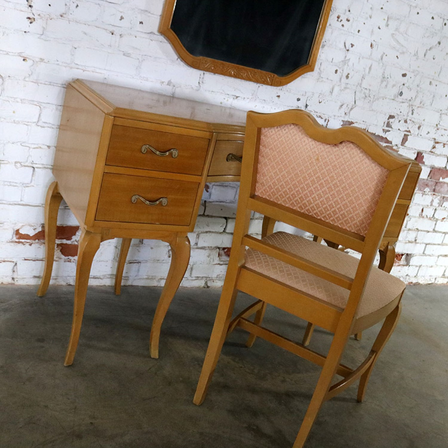 art deco era furniture. Art Deco Style Vanity With Mirror And Chair By Rway Northern Furniture Company Of Sheboygan Era A