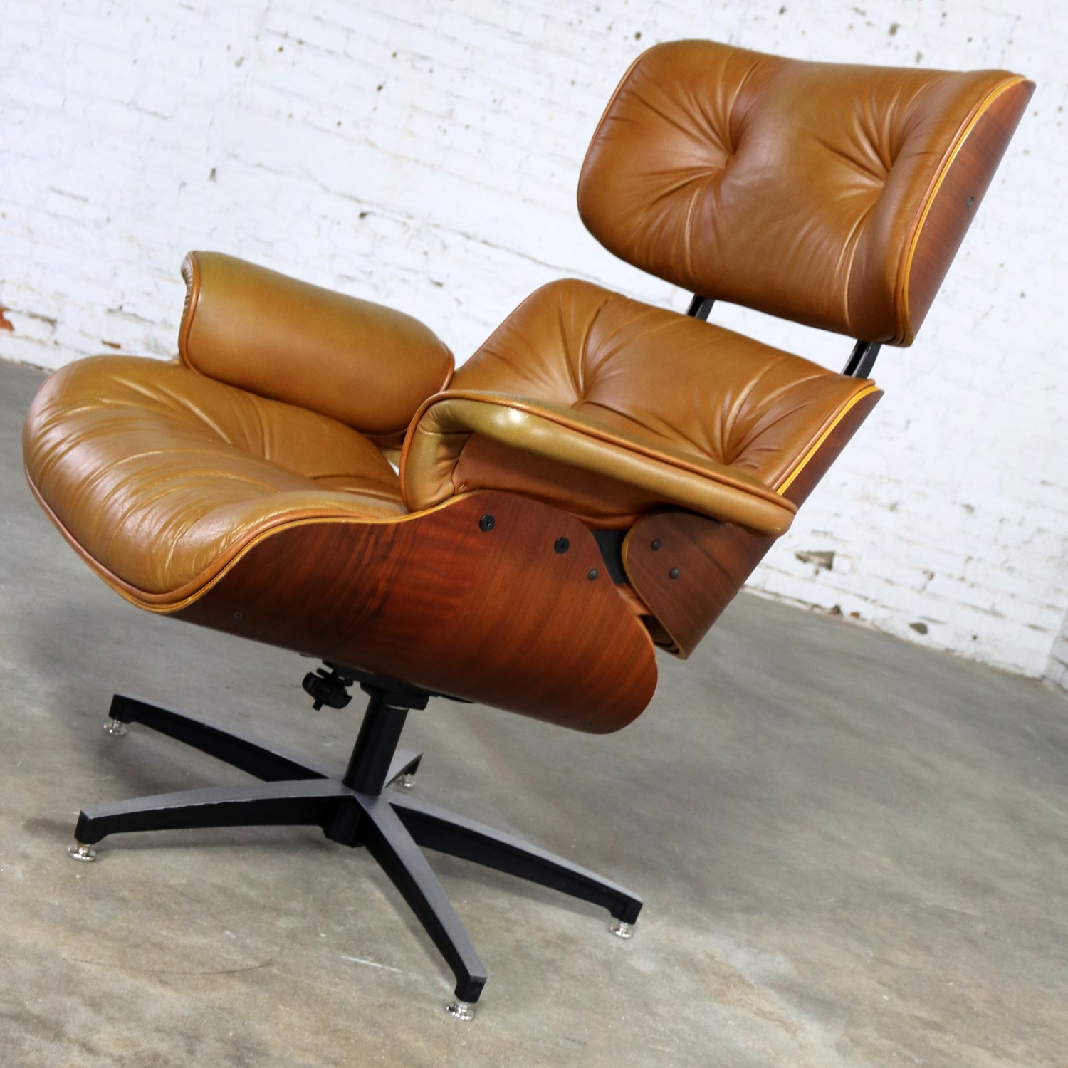 Genial Mid Century Modern Lounge Chair Attributed To Selig Plycraft And In The  Style Of Eames